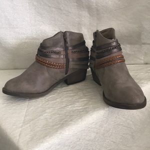 SO Shoes - So Boots ankle booties